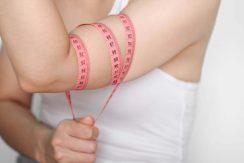 Come si fa a perdere peso nelle braccia per una donna?